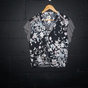 Anthropologie TINY Black gray Floral top